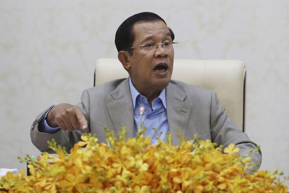 Ông Hun Sen nói chẳng sợ bay tới Vũ Hán thăm sinh viên Campuchia mắc kẹt - Ảnh 1.