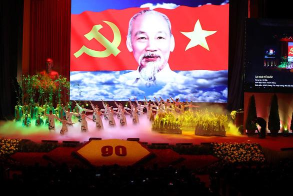 Không thế lực nào cản được Đảng dẫn dắt dân tộc đi lên - Ảnh 3.