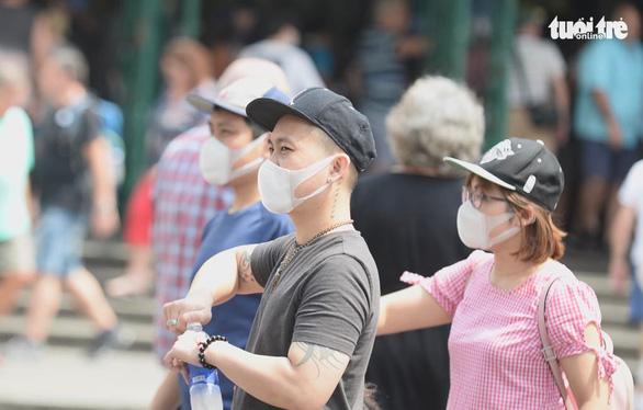 Bí thư Nguyễn Thiện Nhân: 'Phải cách ly người có nguy cơ mắc bệnh từ vùng dịch đến TP' - Ảnh 2.