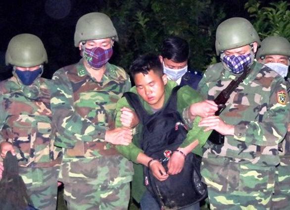 Bắt giữ một người Lào vận chuyển ma túy qua biên giới - Ảnh 1.