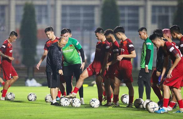 HLV Park Hang Seo đối mặt khó khăn - Ảnh 1.