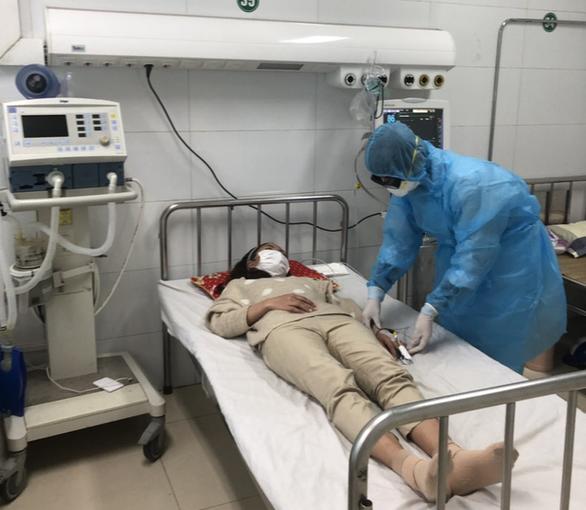 Bệnh viện tuyến tỉnh đầu tiên điều trị thành công bệnh nhân nhiễm corona - Ảnh 2.