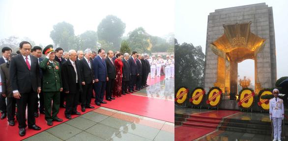 Lãnh đạo Đảng, Nhà nước vào Lăng viếng Chủ tịch Hồ Chí Minh, tưởng niệm các Anh hùng liệt sĩ - Ảnh 5.