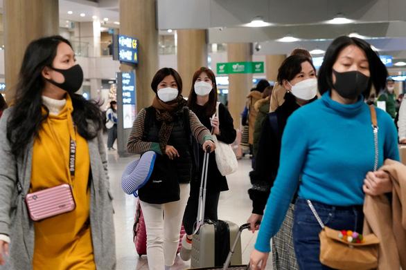 Hàn Quốc phạt nặng việc đầu cơ khẩu trang phòng bệnh - Ảnh 1.