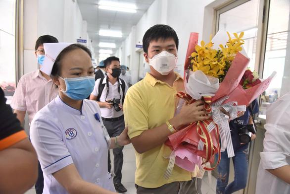 Bệnh viện Chợ Rẫy cho bệnh nhân Trung Quốc nhiễm corona xuất viện - Ảnh 3.