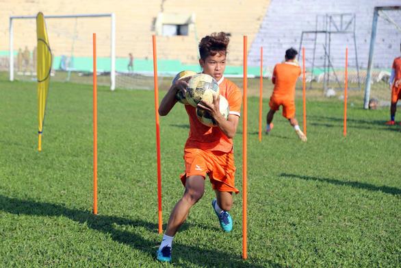 Hoãn lễ xuất quân vì dịch corona nhưng Bình Định không giấu mục tiêu trở lại V-League - Ảnh 2.