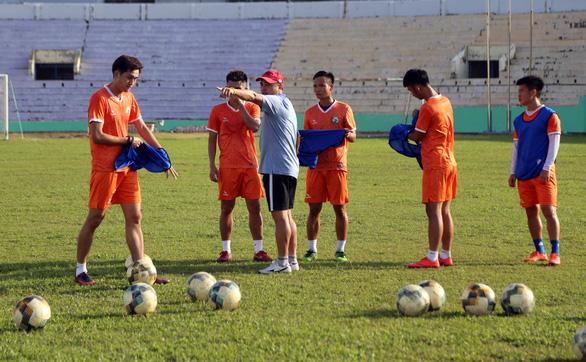 Hoãn lễ xuất quân vì dịch corona nhưng Bình Định không giấu mục tiêu trở lại V-League - Ảnh 1.