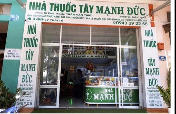 Nhà thuốc bị phạt 20 triệu đồng vì găm gần 2.000 khẩu trang - Ảnh 1.