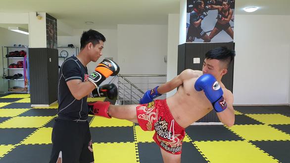 Đi tìm bụng 6 múi - Kỳ 2: Thay đổi mình với MMA - Ảnh 2.
