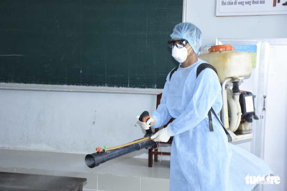 Cháu bé Trung Quốc bị ho sốt, âm tính với virus corona - Ảnh 2.