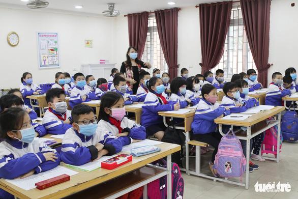 Vì sao Nghệ An, Bến Tre chưa cho học sinh nghỉ học? - Ảnh 3.