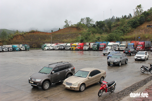 Những xe nông sản đầu tiên được giải cứu ở cửa khẩu Hữu Nghị - Ảnh 7.
