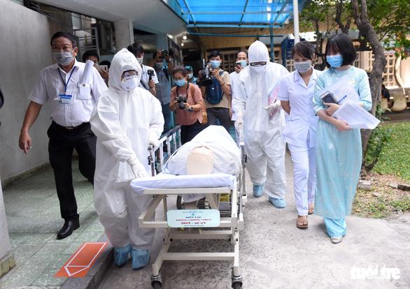 Bệnh viện Thống Nhất diễn tập ứng phó dịch virus corona - Ảnh 1.