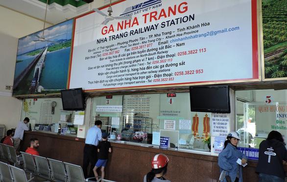 Đường sắt Sài Gòn ngưng nhiều tàu và giảm giá vé - Ảnh 2.