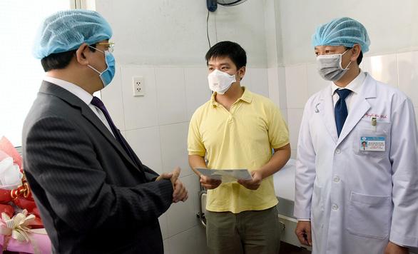 Chống dịch cúm corona, chúng ta cần sự trầm tĩnh - Ảnh 1.