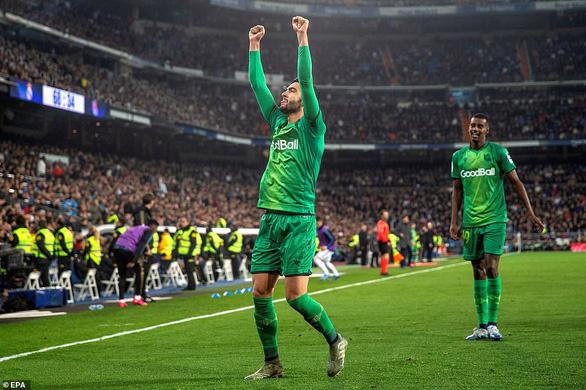 Real Madrid và Barcelona cùng bị đá văng khỏi Cúp Nhà vua - Ảnh 2.