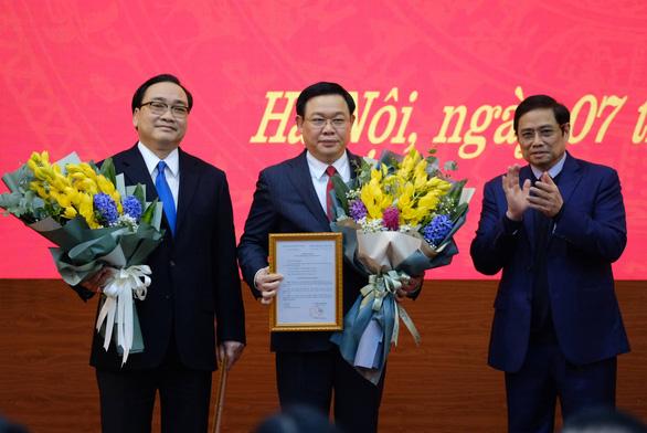 Tân bí thư Thành ủy Hà Nội Vương Đình Huệ: Vinh dự lớn, trách nhiệm nặng nề - Ảnh 1.