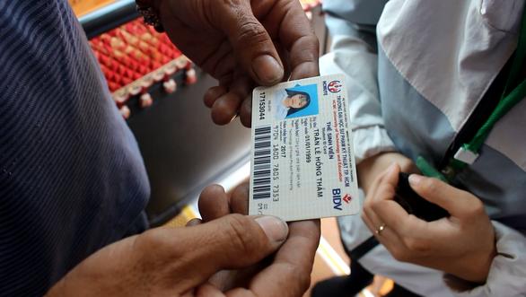 Các nhà xe ở Bình Định miễn phí cho sinh viên TP.HCM về quê tránh dịch corona - Ảnh 2.