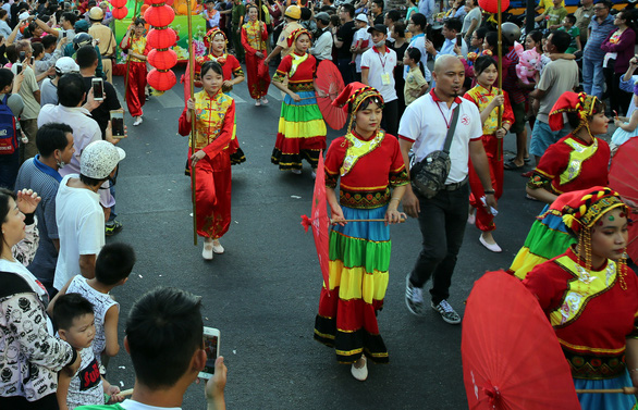 Tết Nguyên tiêu của người Hoa Chợ Lớn là di sản văn hóa phi vật thể quốc gia - Ảnh 1.