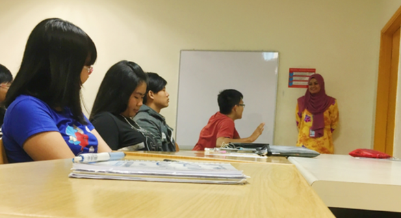 Trường đưa 100 sinh viên đi Malaysia học, phụ huynh lên ruột vì... sợ corona - Ảnh 1.