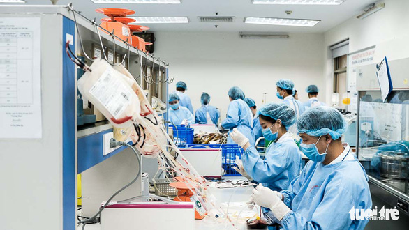 Hàng ngàn người hiến máu trong những ngày dịch corona phức tạp - Ảnh 8.