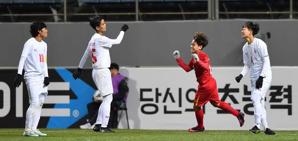 Ngân Thị Vạn Sự: Tôi rất hạnh phúc với bàn thắng đầu tiên cho tuyển nữ Việt Nam - Ảnh 1.