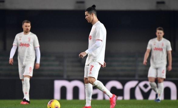 Ronaldo lập công, Juventus vẫn thua ngược Verona - Ảnh 3.