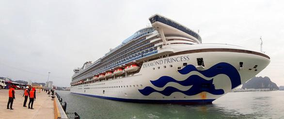 Huế nói những người tiếp xúc với khách tàu Diamond Princess đều bình thường - Ảnh 1.