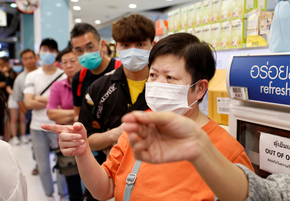 Trung Quốc nói sẽ hồi hương công dân vì dịch COVID-19 nếu cần thiết - Ảnh 1.