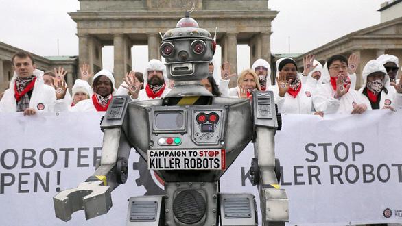 Không giao quyền đoạt mạng cho robot - Ảnh 1.