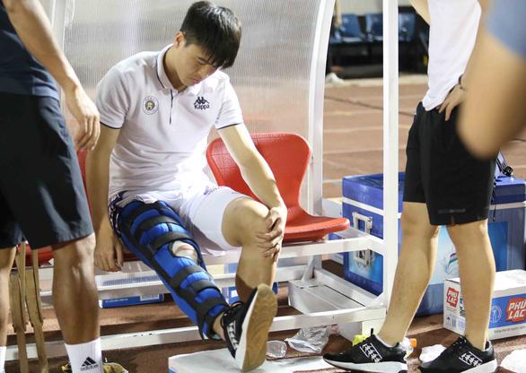 HLV Chu Đình Nghiêm: Chấn thương của Duy Mạnh khá nặng - Ảnh 2.