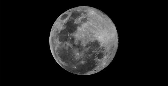 Ngắm siêu trăng tháng 3 ở TP.HCM và các nước - Ảnh 2.