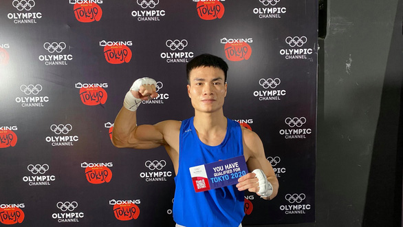 Võ sĩ boxing Nguyễn Văn Đương giành vé thứ 5 dự Olympic Tokyo 2020 cho VN - Ảnh 1.