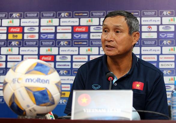 HLV Mai Đức Chung: Tuyển Việt Nam nỗ lực có bàn thắng - Ảnh 1.