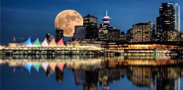 Ngắm siêu trăng tháng 3 ở TP.HCM và các nước - Ảnh 7.