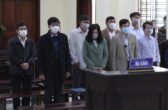 Xét xử 5 cựu cán bộ thanh tra Thanh Hóa ép doanh nghiệp đưa tiền để bỏ qua sai phạm - Ảnh 1.