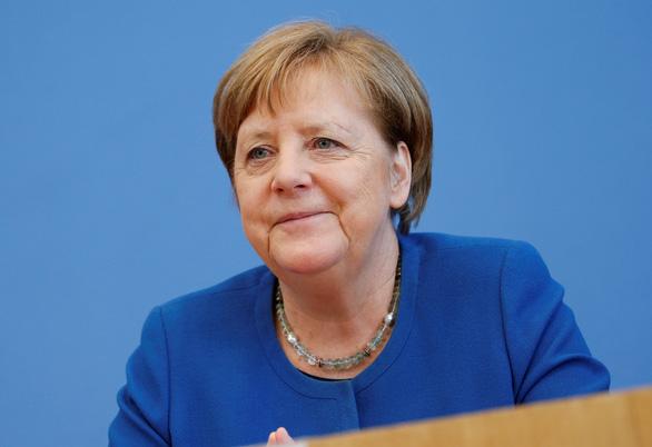 Ba Merkel bi to gay hoang loan vi noi 70% dan se nhiem virus corona