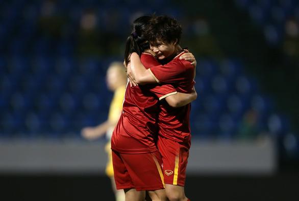 Tuyển nữ Việt Nam vỡ mộng dự Olympic nhưng đã có bàn thắng lịch sử trước Úc - Ảnh 1.