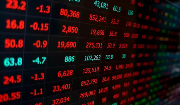 VN-Index suýt mất mốc 800, cổ phiếu Thế giới di động nằm sàn - Ảnh 1.