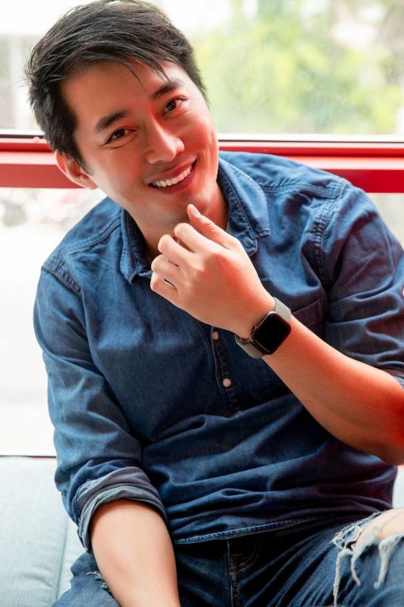 Diễn viên Khôi Trần: Nấu ăn là một cách nếm trải hạnh phúc của độc thân - Ảnh 2.