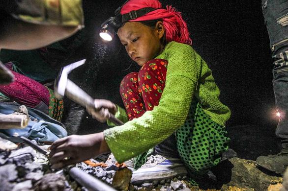 Ngành nghề bị cấm sử dụng lao động dưới 18 tuổi ở Việt Nam? - Ảnh 1.