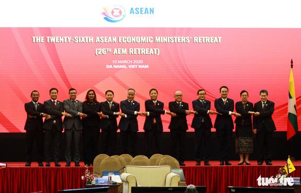 Bộ trưởng kinh tế các nước ASEAN ra tuyên bố chung về COVID-19 - Ảnh 1.