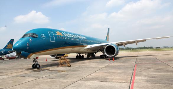 Vietnam Airlines giảm tần suất bay giữa Việt Nam và châu Âu vì dịch COVID-19 - Ảnh 1.