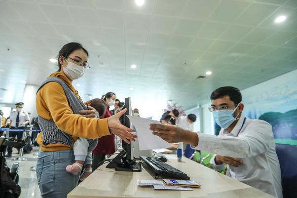 Việt Nam ghi nhận bệnh nhân COVID-19 thứ 35, là nhân viên siêu thị ở Đà Nẵng - Ảnh 1.