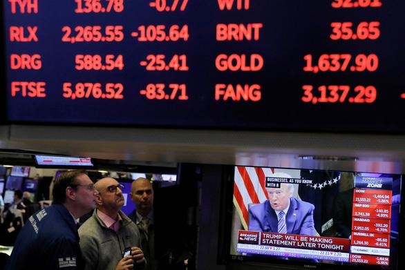 Kinh tế toàn cầu có thể thiệt hại khoảng 1.000 tỉ USD, các nước rầm rộ giải cứu - Ảnh 2.
