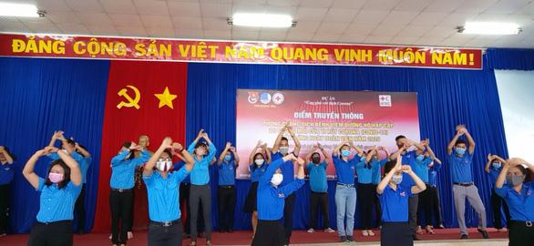 Nhảy flashmob Ghen Cô Vy tuyên truyền chống dịch - Ảnh 2.