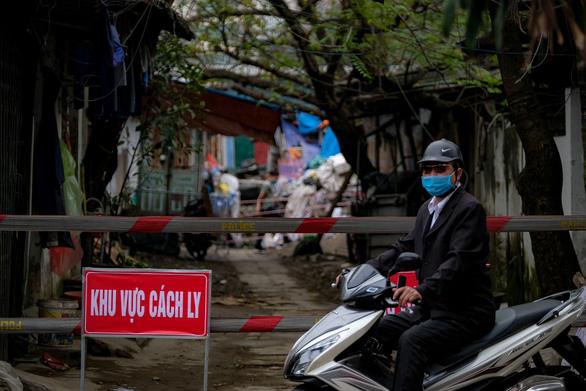 Bệnh nhân COVID-19 thứ 49 đang ở Huế, cũng đi chuyến bay VN0054 - Ảnh 1.