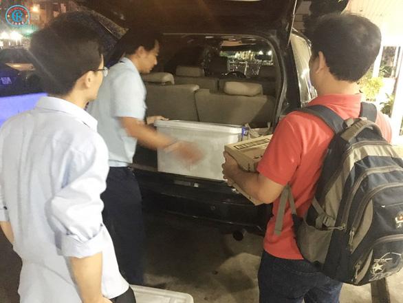 Bác sĩ Chợ Rẫy lên đường trong đêm, chi viện Bình Thuận chống COVID-19 - Ảnh 1.
