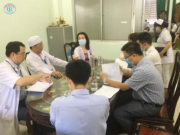 Bác sĩ Chợ Rẫy lên đường trong đêm, chi viện Bình Thuận chống COVID-19 - Ảnh 3.