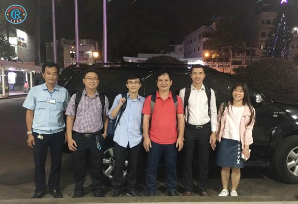 Bác sĩ Chợ Rẫy lên đường trong đêm, chi viện Bình Thuận chống COVID-19 - Ảnh 5.